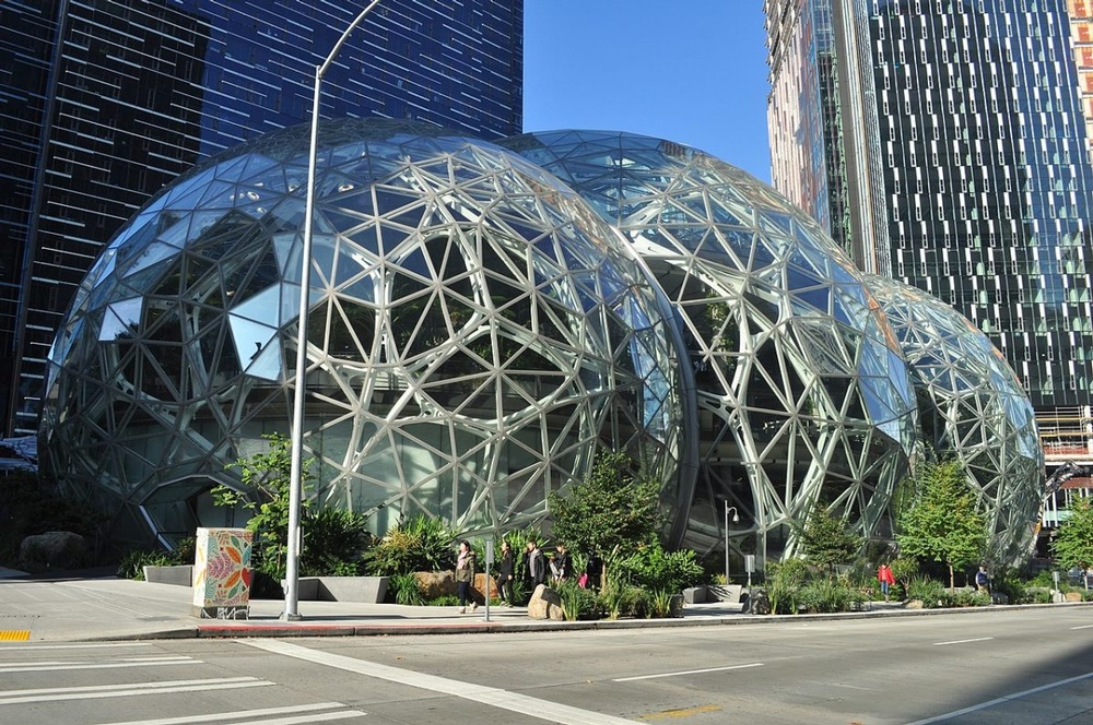 1280px-Amazon_Spheres_05-1200x797.jpg